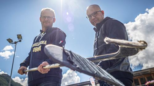 Benny Wunderer (Trainer CdH Engiadina, links) und Alexander Aufderklamm (Trainer EHC St.Moritz).  Foto: Daniel Zaugg