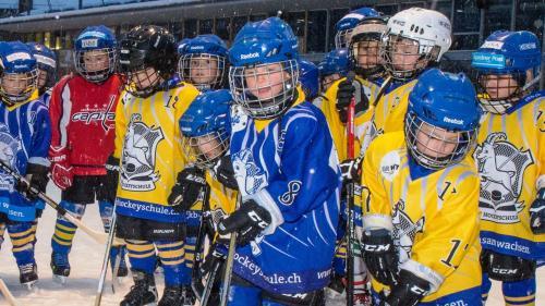 Der Andrang zum Eishockey ist bei den Jungen im Engadin nach wie vor gross, doch die darbende Infrastruktur bereitet den Verantwortlichen zunehmend Sorgen.  Foto: z.Vfg.