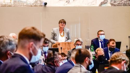 Die Standespräsidentin Aita Zanetti während ihrer Ansprache zum Start der Oktobersession. Foto: Jon Duschletta