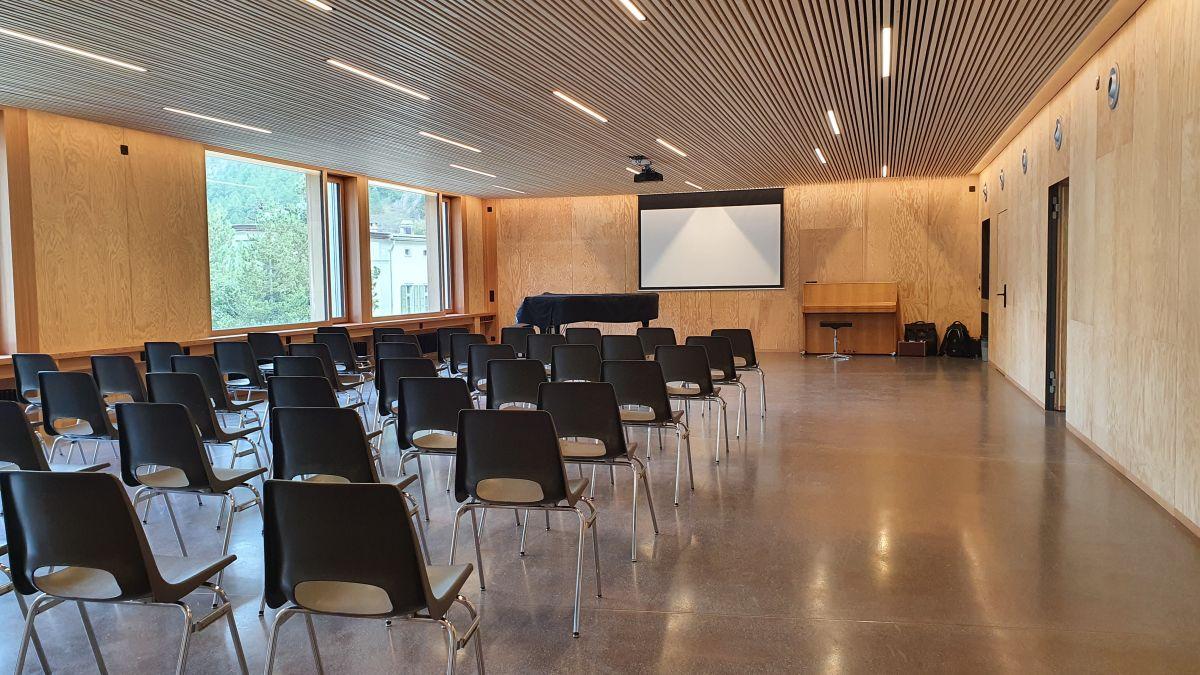 La nouva aula i'l stabilimaint annex a Zernez (fotografia: Georg Luzzi/RTR)